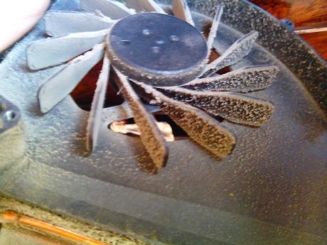 Пыльный вентилятор ноутбука samsung RF710-S02