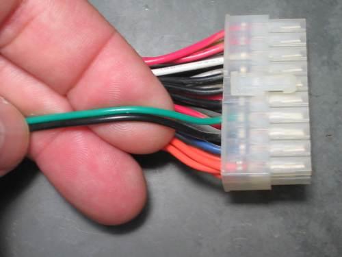 вот эти провода надо замкнуть, чтобы запустить БП