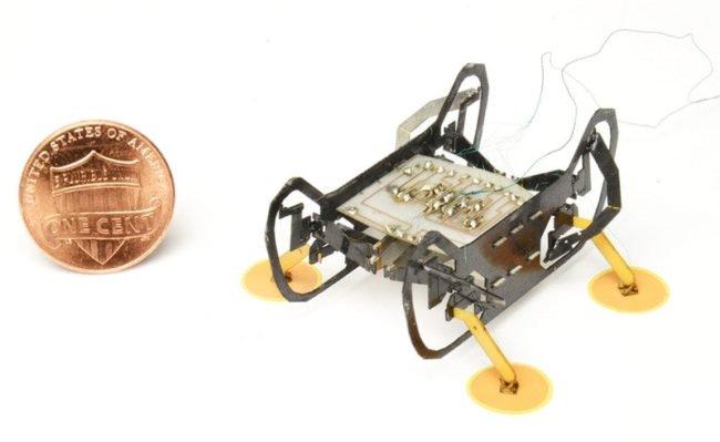 Робот HAMR-E
