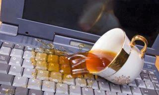 Пролил жидкость на ноутбук